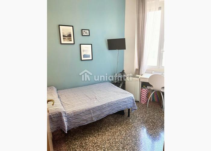 Camera arredata,zona Sapienza